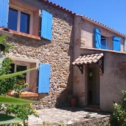 façade et coin terrasse - Location de vacances - Les Plans