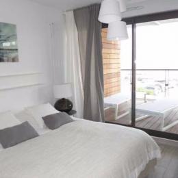 Chambre lit double 160 - Location de vacances - CARNON PLAGE