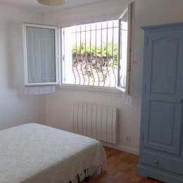 Chambre lit double - Location de vacances - Carnon