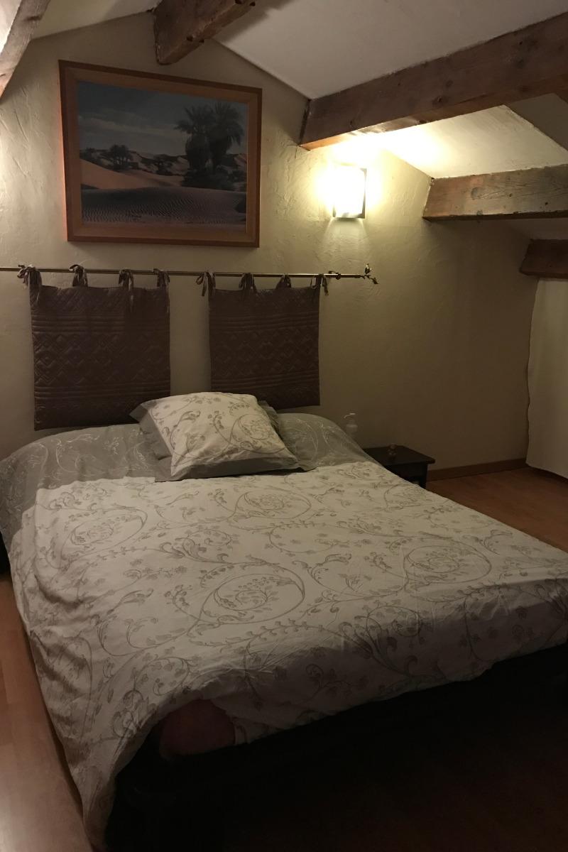 Chambre lit 140 - Location de vacances - Béziers