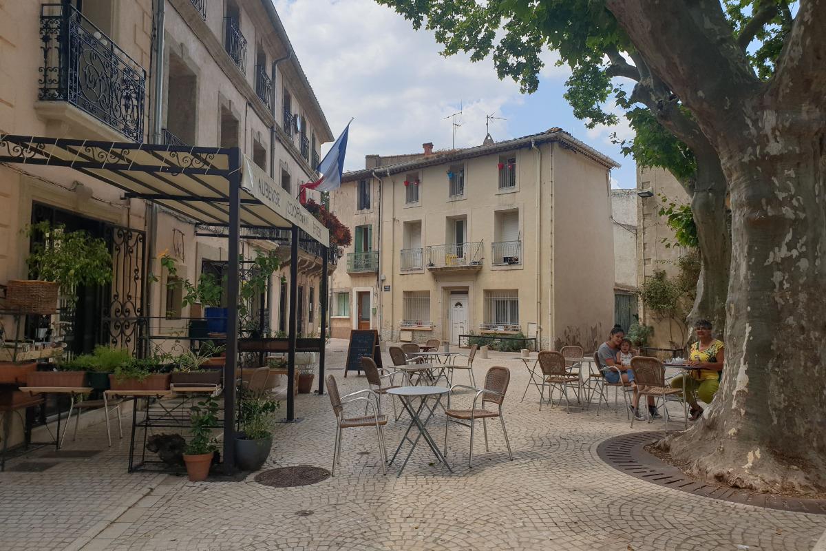 Auberge et épicerie coopérative juste à côté du gîte - Location de vacances - Cazouls-d'Hérault