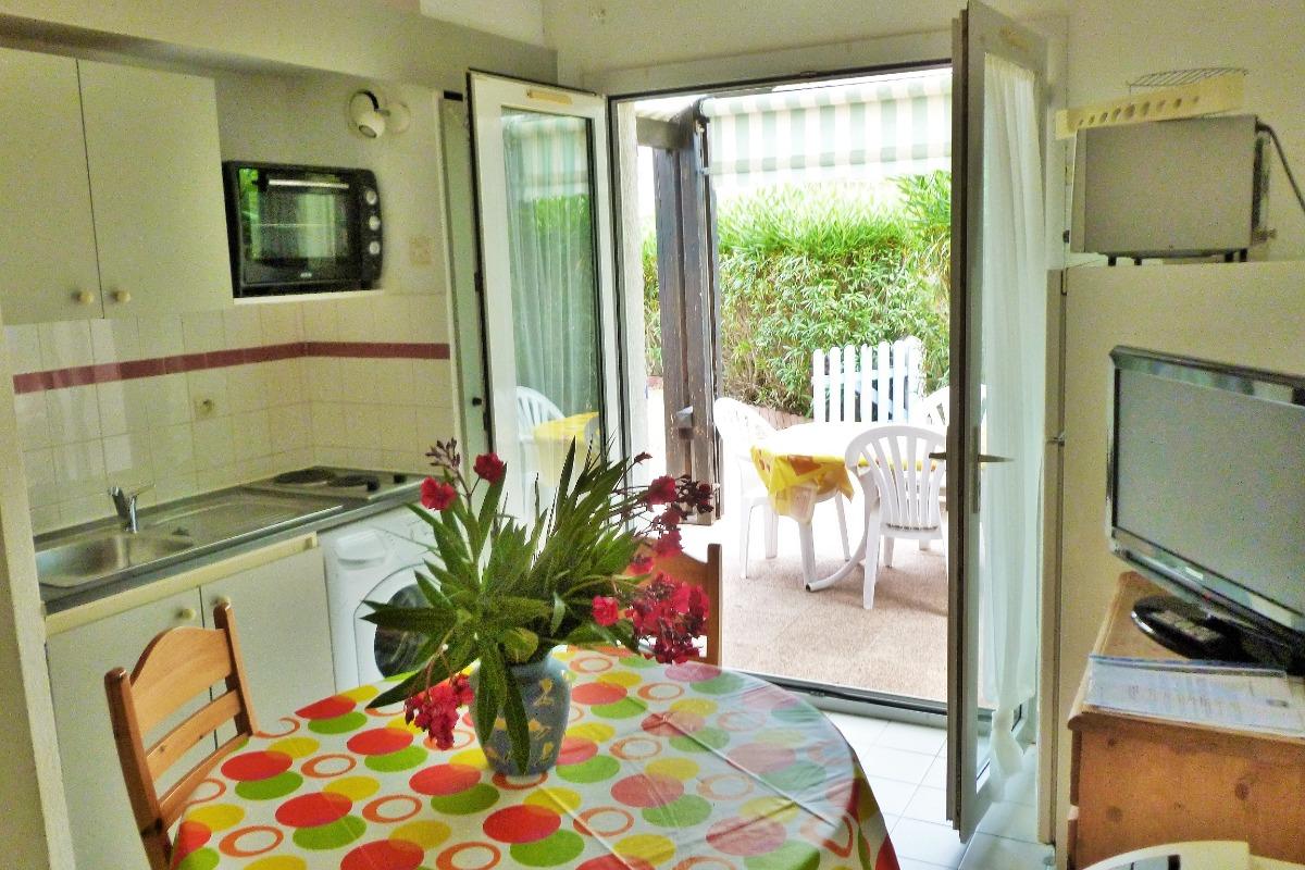 séjour et coin cuisine - Location de vacances - Vic-la-Gardiole