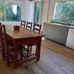 le jardin vu de la cuisine - Location de vacances - Villeneuve-lès-Béziers