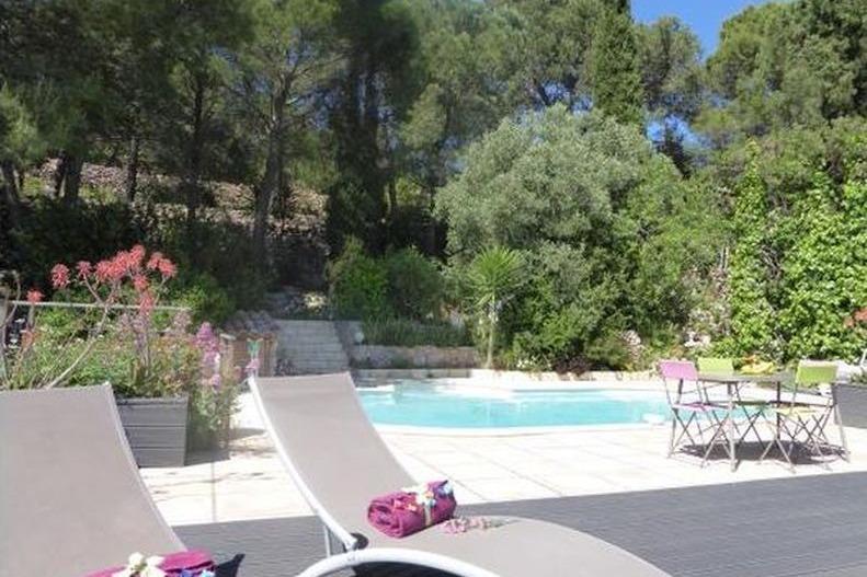Piscine avec grande terrasse - Location de vacances - Sète