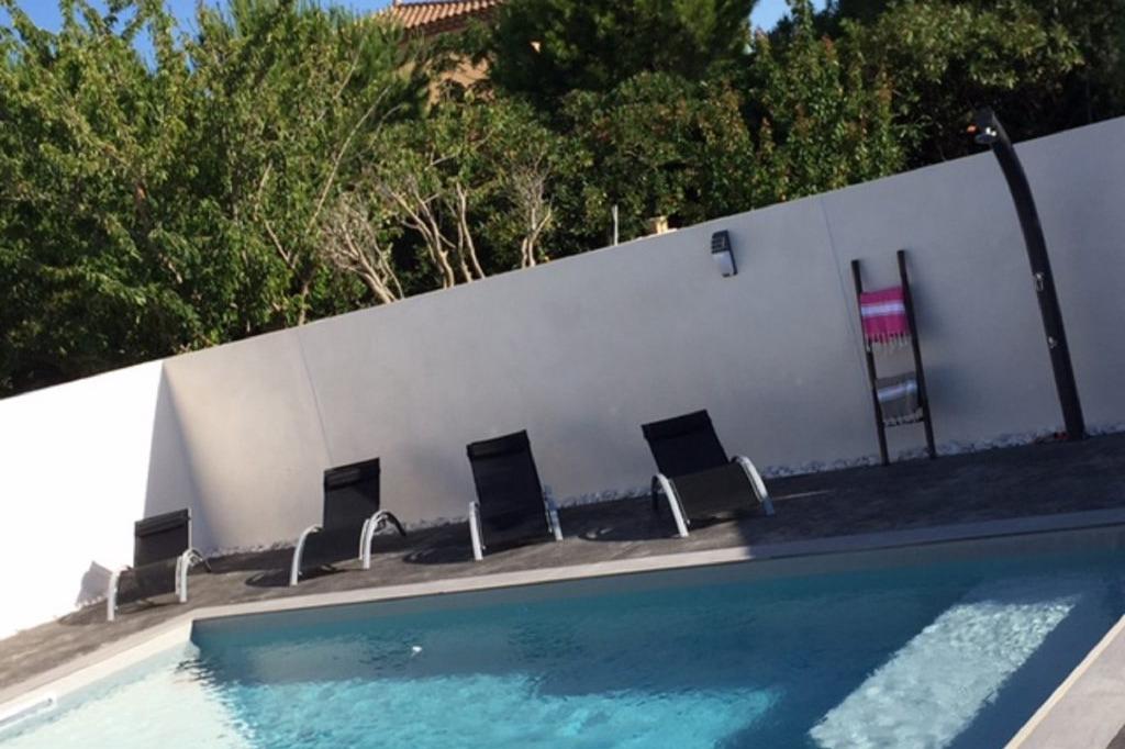 Piscine - Location de vacances - Pinet
