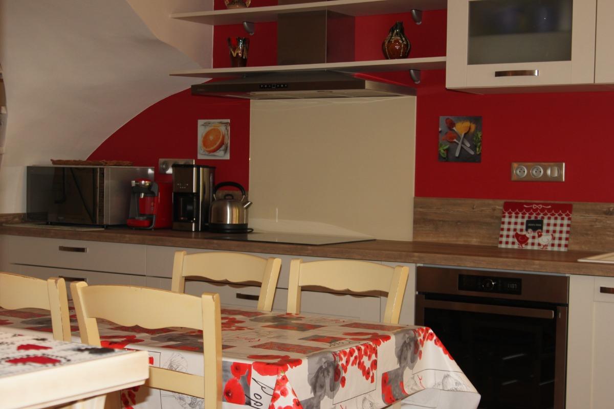 Entrée cuisine RDC - Location de vacances - Saint-Thibéry