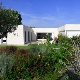 Vue de la villa depuis le SPA - Location de vacances - Alignan-du-Vent