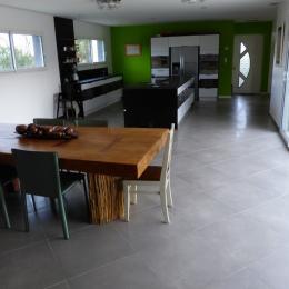Séjour/cuisine - Location de vacances - Alignan-du-Vent