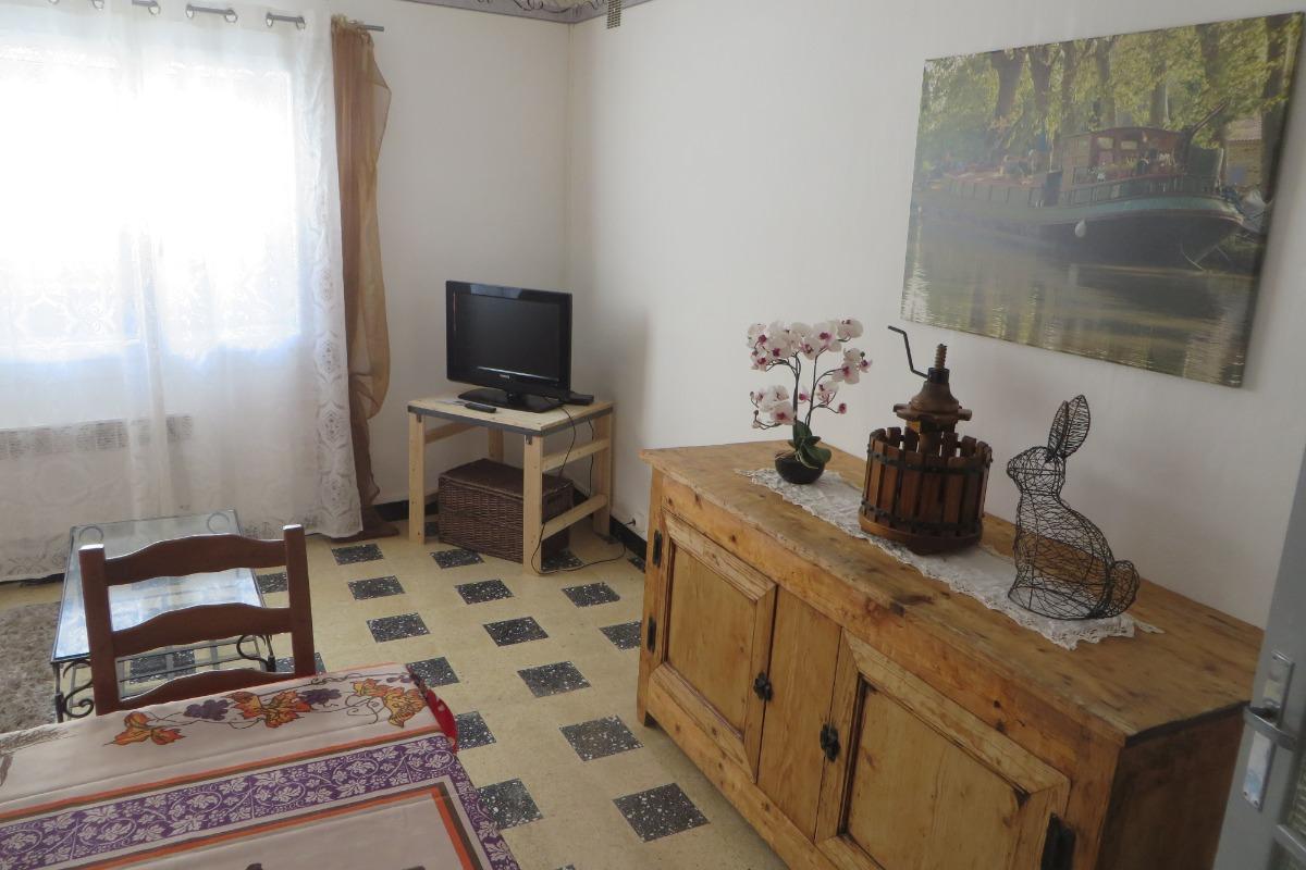 salle à manger et salon - Location de vacances - Villeneuve-lès-Béziers