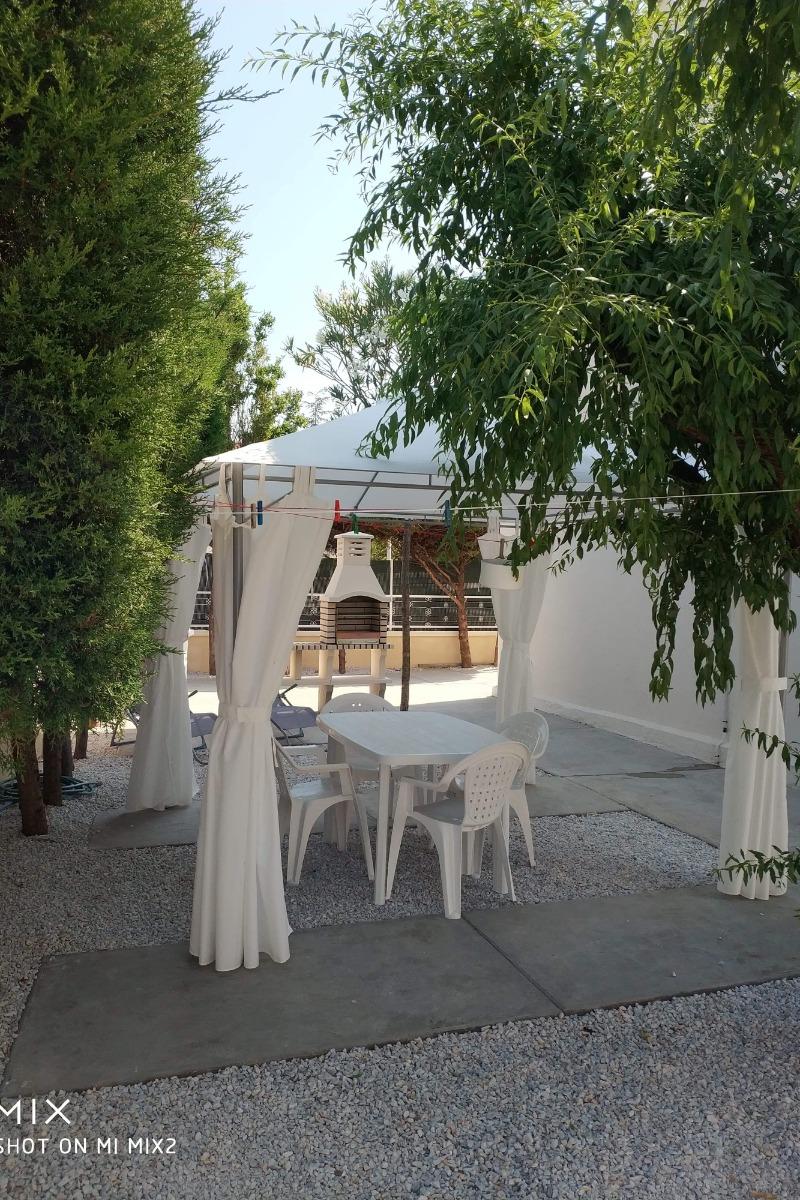 Terrasse avec barbecue - Location de vacances - Agde