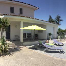 Entrée côté piscine - Location de vacances - Pignan