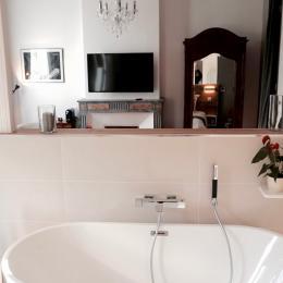 Vue depuis la salle de bains - Chambre d'hôtes - Montbazin