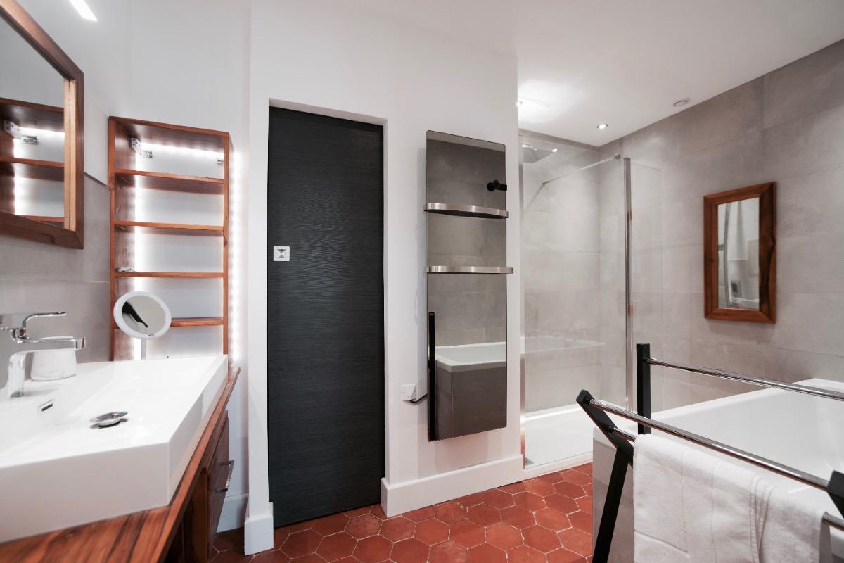 Salle de bains privative - Chambre d'hôtes - Montbazin