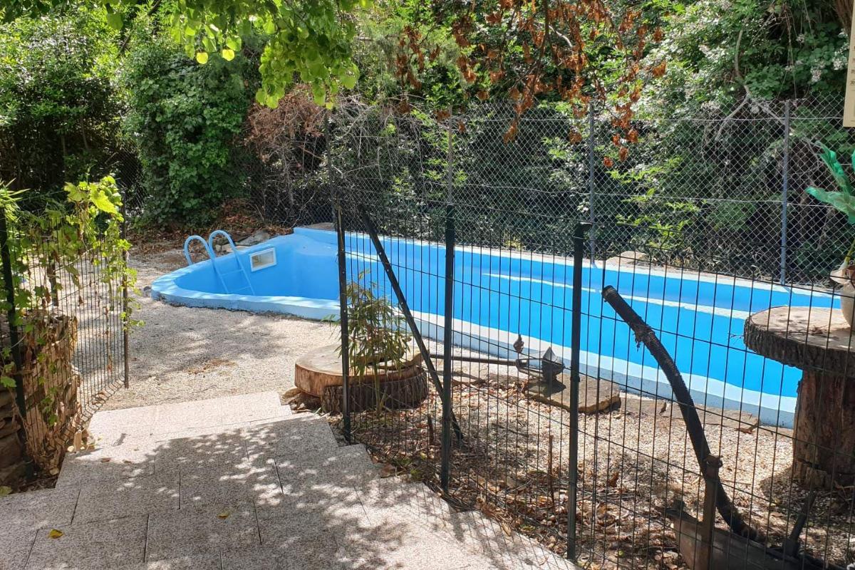 La piscine, modeste mais qui permet de se rafraîchir et de faire quelques brasses... - Location de vacances - Bassan