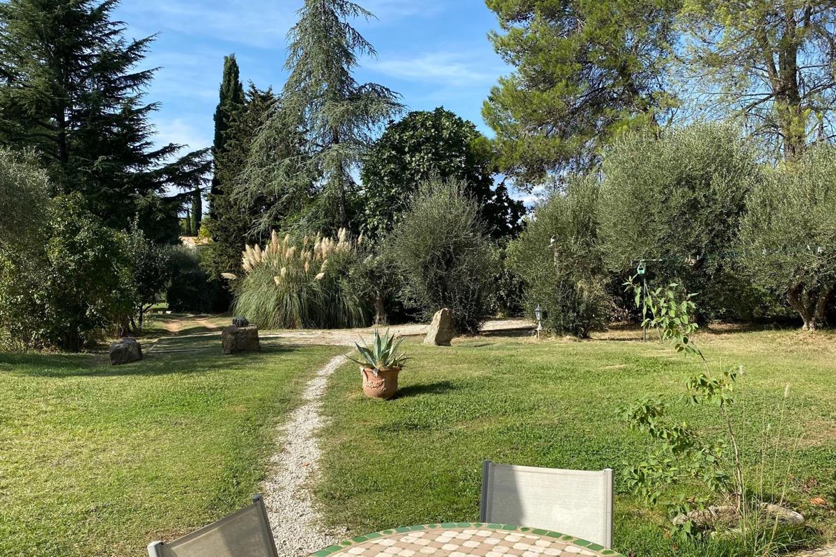 Entrée, jardin et parking sont indépendants et privatifs - Location de vacances - Prades-le-Lez