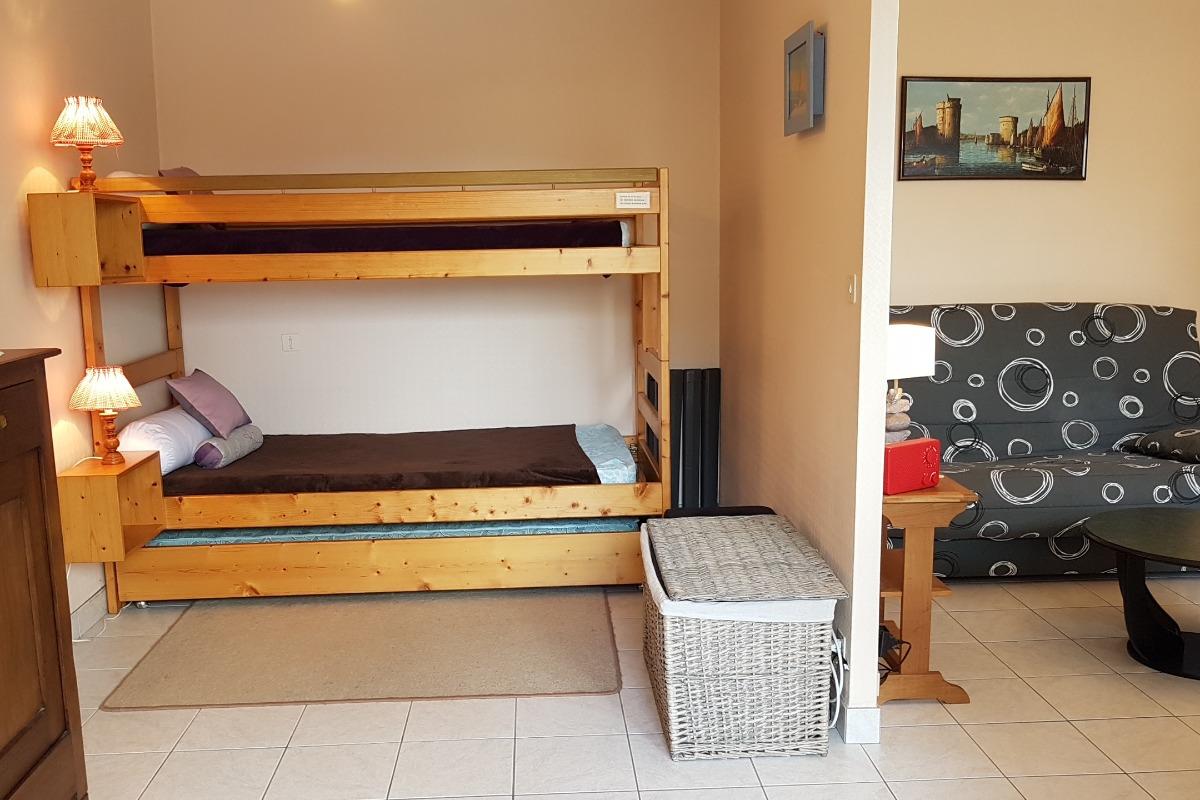 charmant appartement 4 personnes avec une tr s belle terrasse location vacances saint malo. Black Bedroom Furniture Sets. Home Design Ideas
