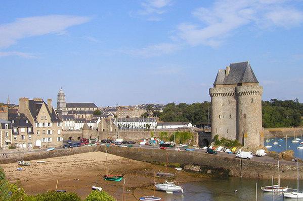 vue generale du site avec petite plage devant l immeuble - Location de vacances - Saint-Malo
