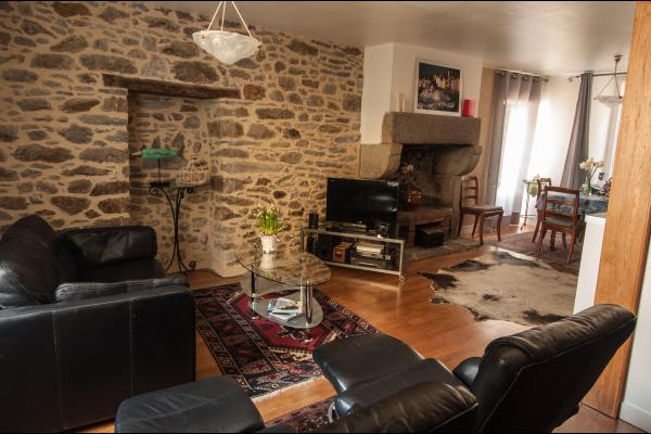 le salon et les vieux murs - Location de vacances - Saint-Malo