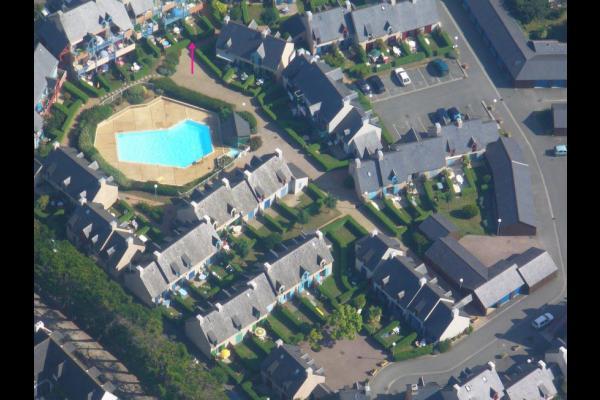 Position de l'appartement dans la résidence (voir la flèche rouge). - Location de vacances - Saint-Malo