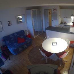Salon avec BZ très confortable formant lit 140 cm. - Location de vacances - Saint-Malo