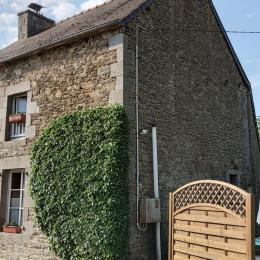 La cuisine aménagée - Location de vacances - Saint-Pierre-de-Plesguen