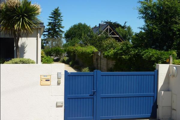 Propriété close et sécurisée ( l'entrée) - Location de vacances - Saint-Coulomb