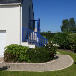 Vue sur Entrée gite et jardin privatif - Location de vacances - Saint-Coulomb