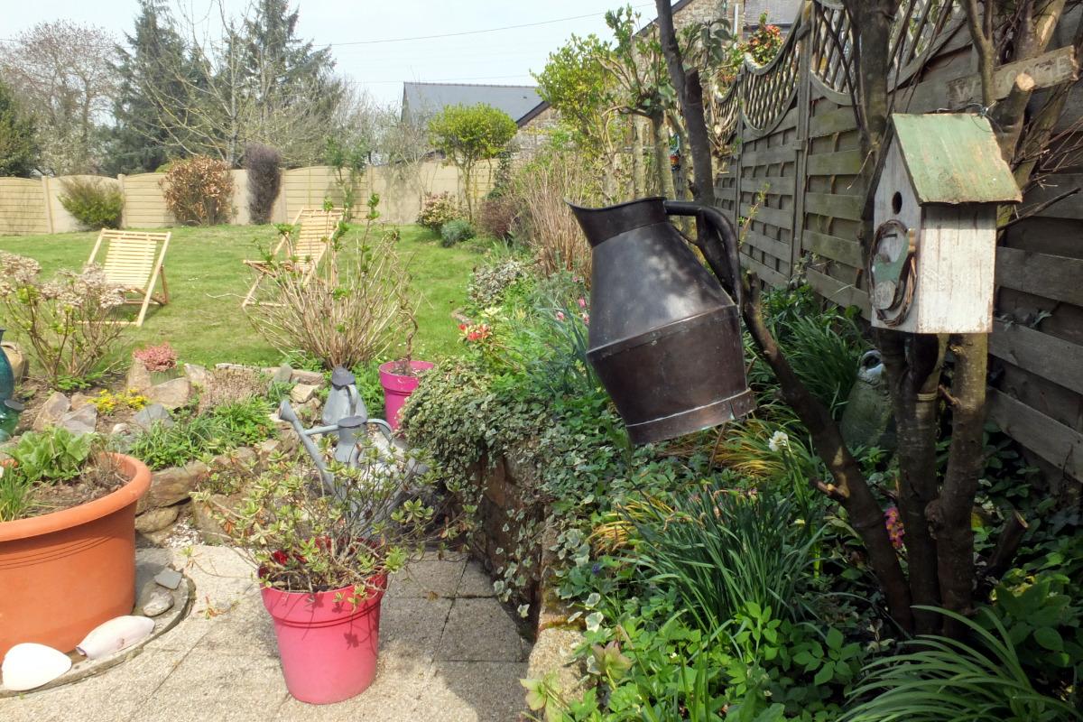Le jardin clos à l'arrière de la maison - Location de vacances - Roz-sur-Couesnon