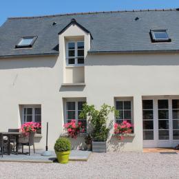 Façade et terrasse - Location de vacances - Saint-Jouan-des-Guérets