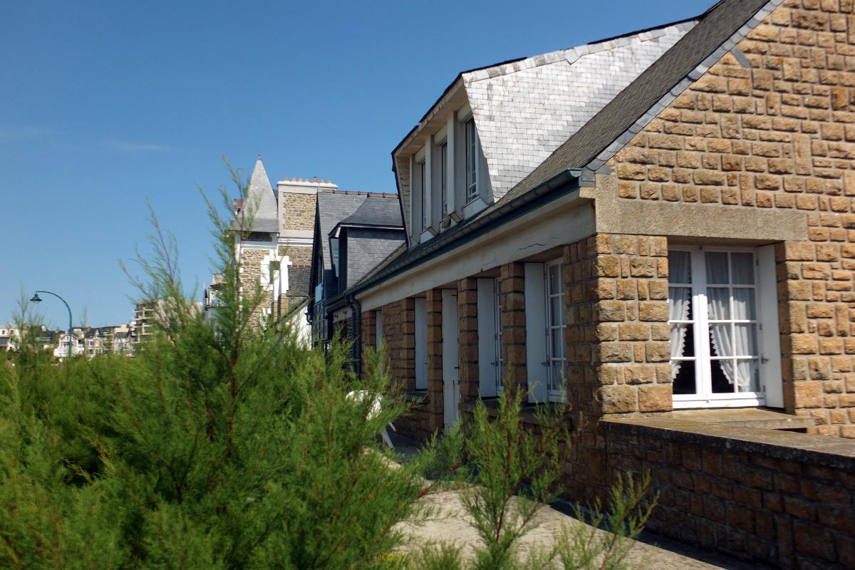 La plage de Rochebonne et l'île de Cézembre depuis l'appartement - Location de vacances - Saint-Malo