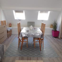 La cuisine, ouverte sur le séjour - Location de vacances - Dinard