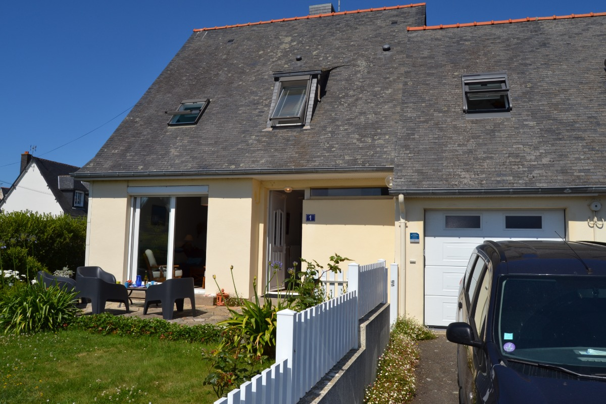 Terrasse côté Est transats barbecue Weber - Location de vacances - Saint-Malo