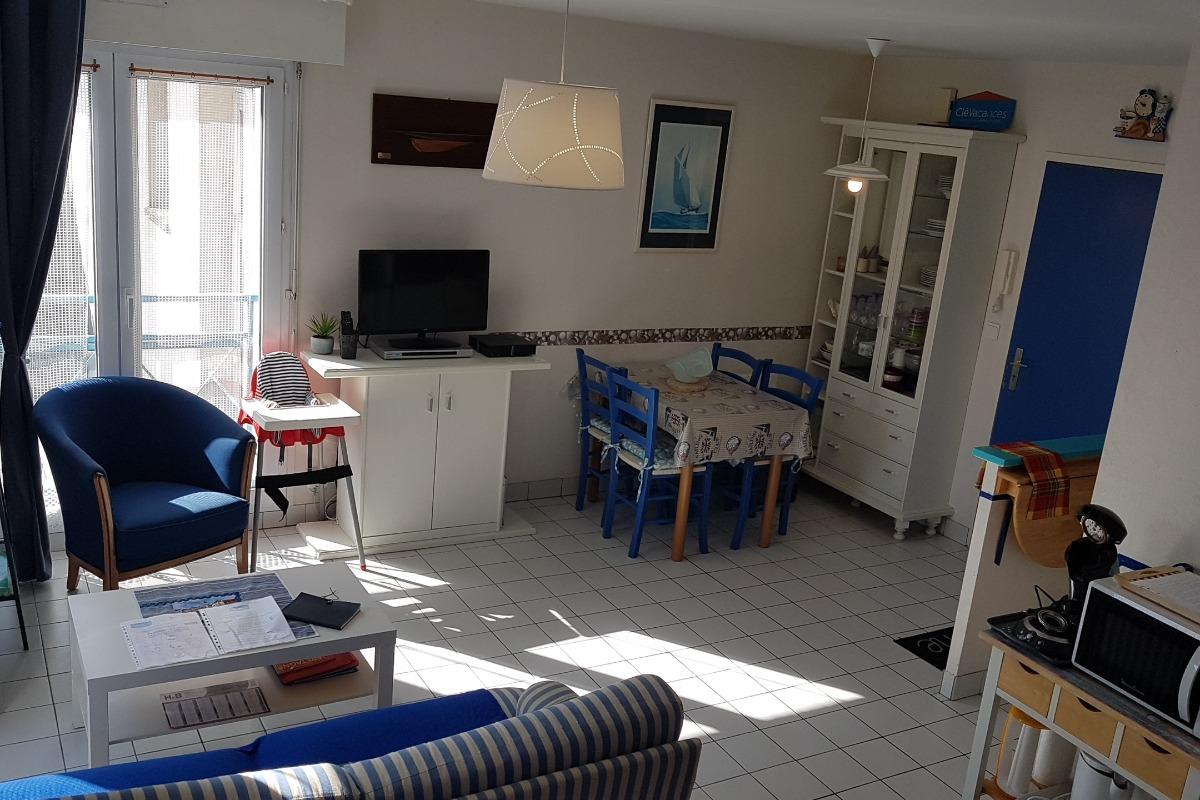 chambre - lit 140 - Location de vacances - Saint-Malo