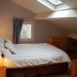 chambre deux personnes - Location de vacances - Saint-Méloir-des-Ondes
