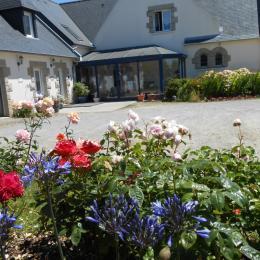Chambre avec un lit 160/200 et un lit 90/190 - Chambre d'hôtes - Hirel