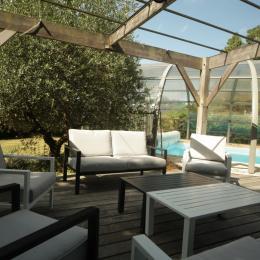 La piscine et sa terrasse - Location de vacances - Meillac