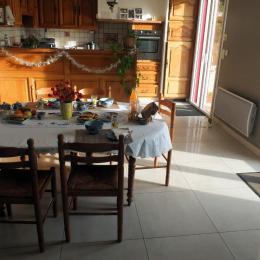 La salle du petit déjeuner - Chambre d'hôtes - Pleine-Fougères