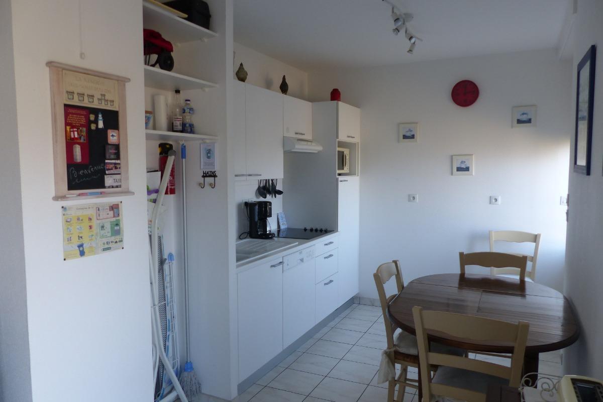 bel appartement 45 m2 id al pour senior ou couple avec b b location vacances saint malo. Black Bedroom Furniture Sets. Home Design Ideas