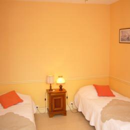 1ère chambre avec les deux lits de 90 - Location de vacances - Saint-Malo