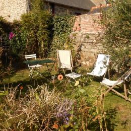 Salon de jardin - espace commun - Chambre d'hôtes - Saint-Suliac