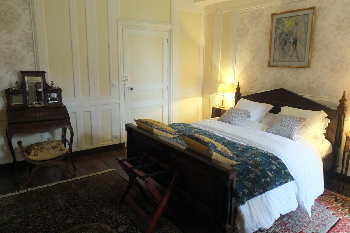 La chambre La Rivière Chantegrue au premier étage du château - Chambre d'hôtes - Saint-Léger-des-Prés