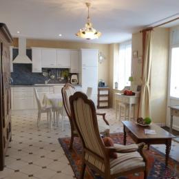 Salon, salle à manger - Location de vacances - Saint-Lunaire