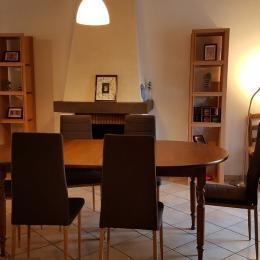 La salle à manger - Location de vacances - Saint-Coulomb