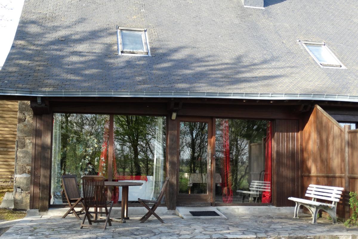 L'espace repas et la cuisine - Location de vacances - Billé