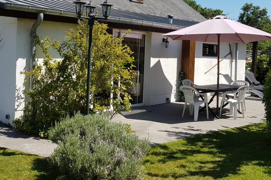 La terrasse et Jardin sont de plain-pied - Location de vacances - Saint-Lunaire
