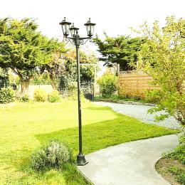Le jardin entièrement clos et la terrasse - Location de vacances - Saint-Lunaire