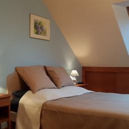 La chambre indépendante (lit 140cm) - Location de vacances - La Richardais