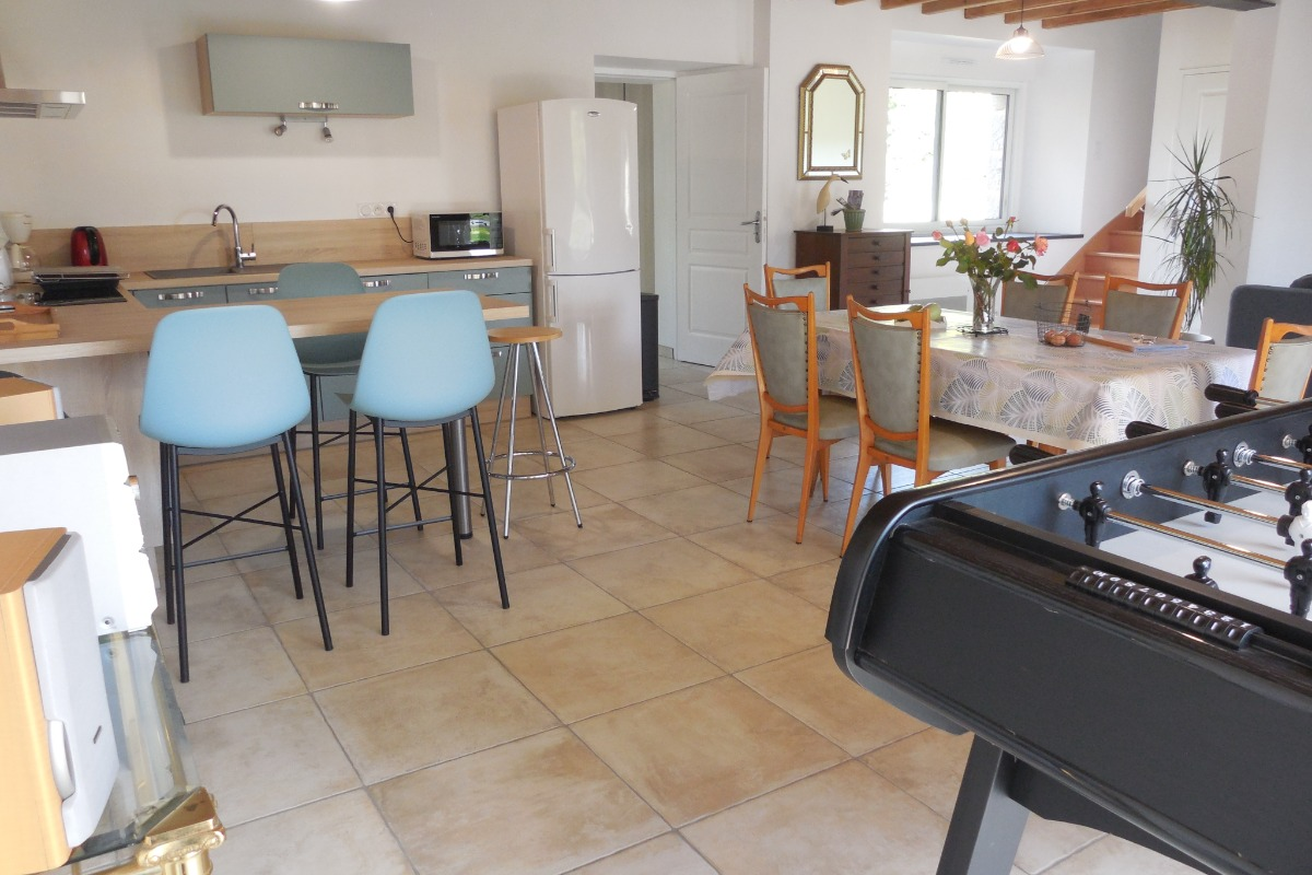 Espace cuisine et repas - Location de vacances - Québriac