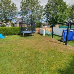 L'espace jeux en extérieur - Location de vacances - Dinard
