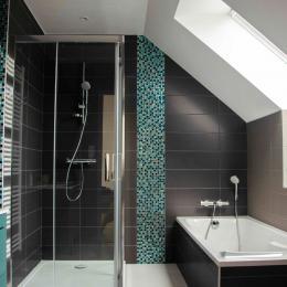 La Villa Touesse - Salle de bain-WC indépendante de l'étage - Location de vacances - Saint-Coulomb